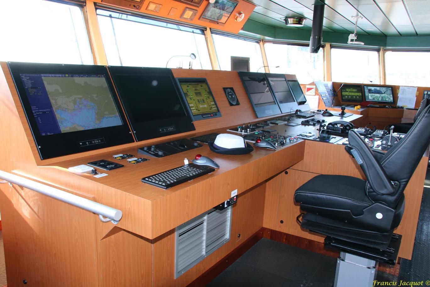 LOIRE BSAM (Bâtiment de Soutien et d'Assistance Métropolitain) 324894IMG10002Passerelledenavigation