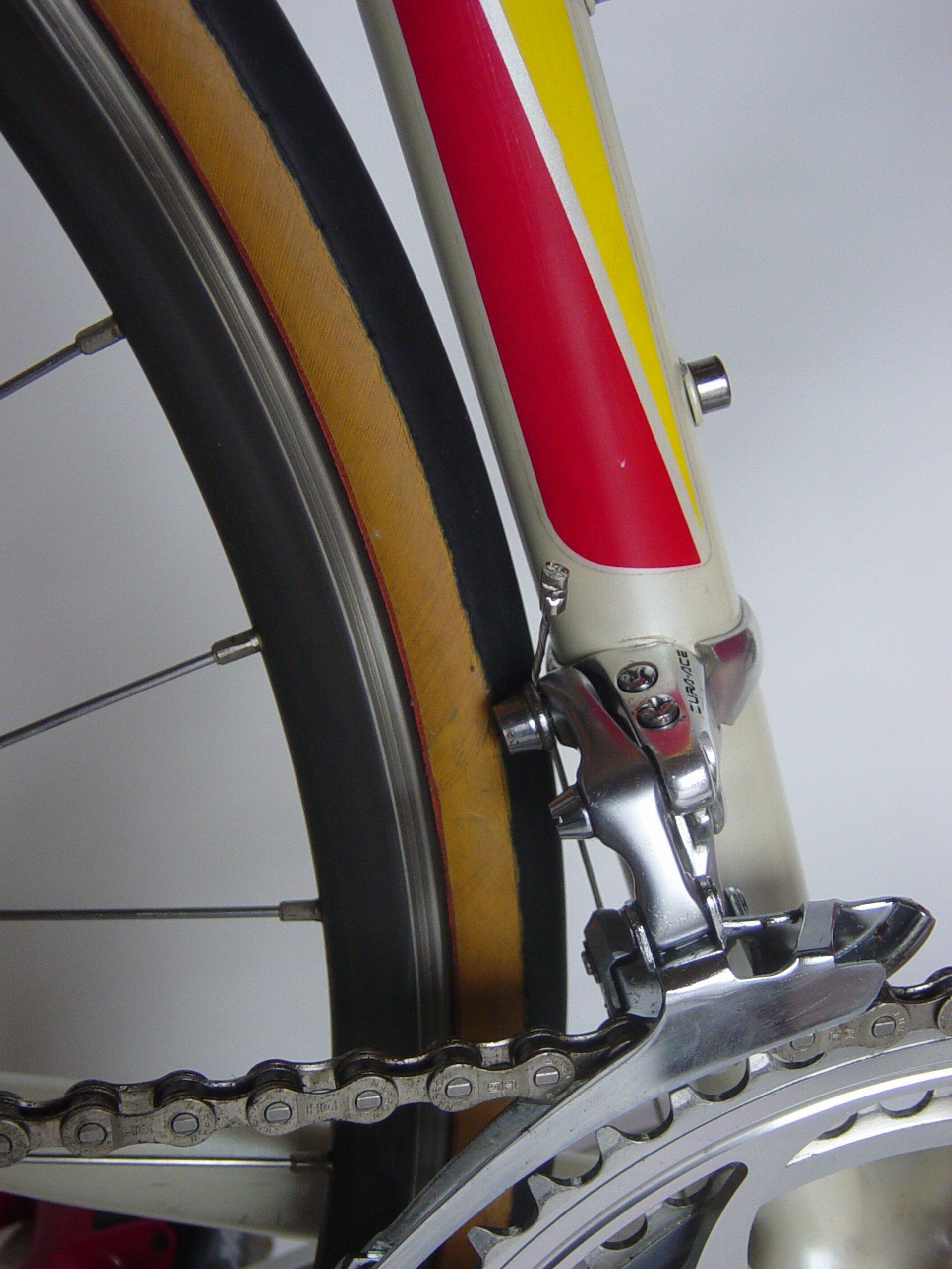 Vélo Raleigh 1991 325656passagederouearrestaur