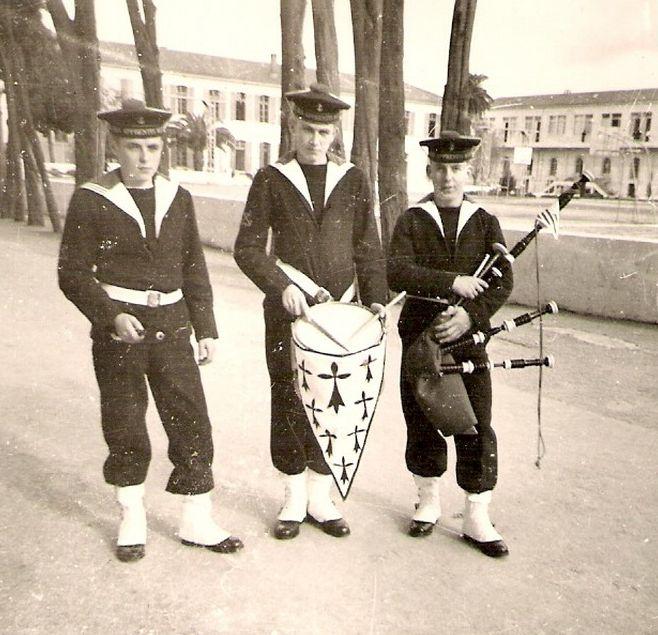 [Musique dans la Marine] Bagad St-Mandrier - Page 4 327009751