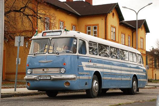 Usine automobile de Valdrak 327800ikarus55001