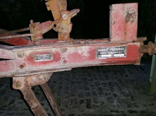 remorque ferguson ancienne pour collectionneur 329688ferg1