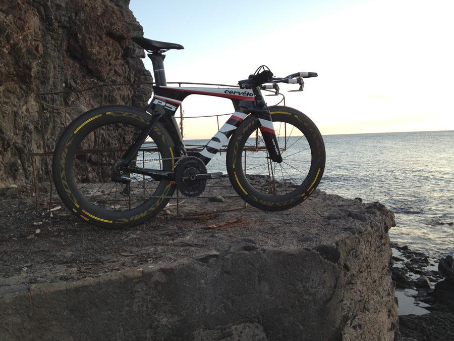 Les vélos de contre la montre 3328842012CerveloP5TriathlonBike02