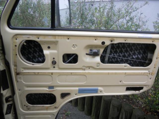 VW T3 Westfalia 1982, ensemble Clarion, montage et installation mise à jour du 19/08 3388045portedroitefocalbam45hauteur11cm