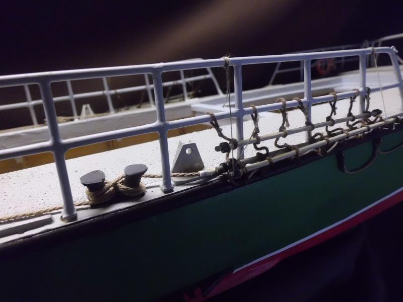 POURQUOI PAS II canot 17.60m SNSM Saint-Malo sur plan au 1/20° - Page 5 339050CIMG2847