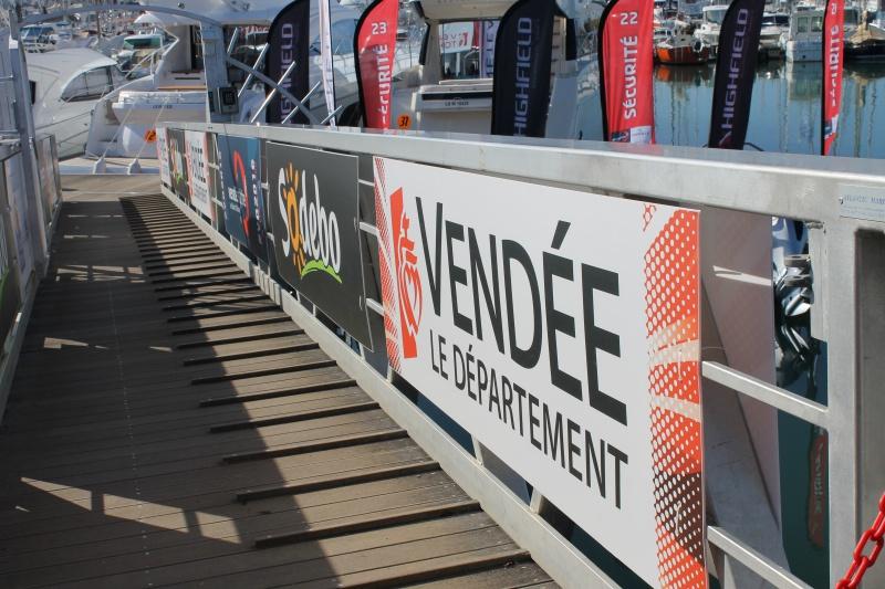 Visite du village et du ponton du Vendée Globe le 25/10/16 340611IMG4463