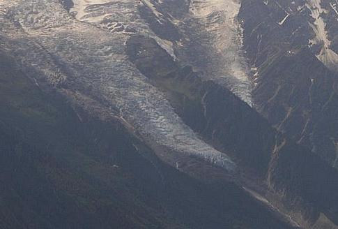 Le glacier des Bossons - Page 12 341001GlacierdesBossonszoom5juillet2015