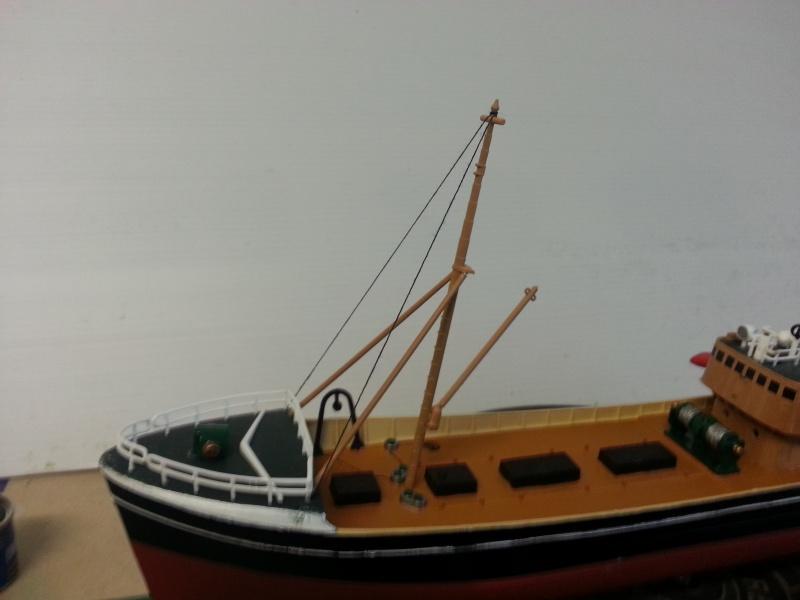 NorthSea Fishing Trawller de Revell au 1/142° - Page 2 341230CH24