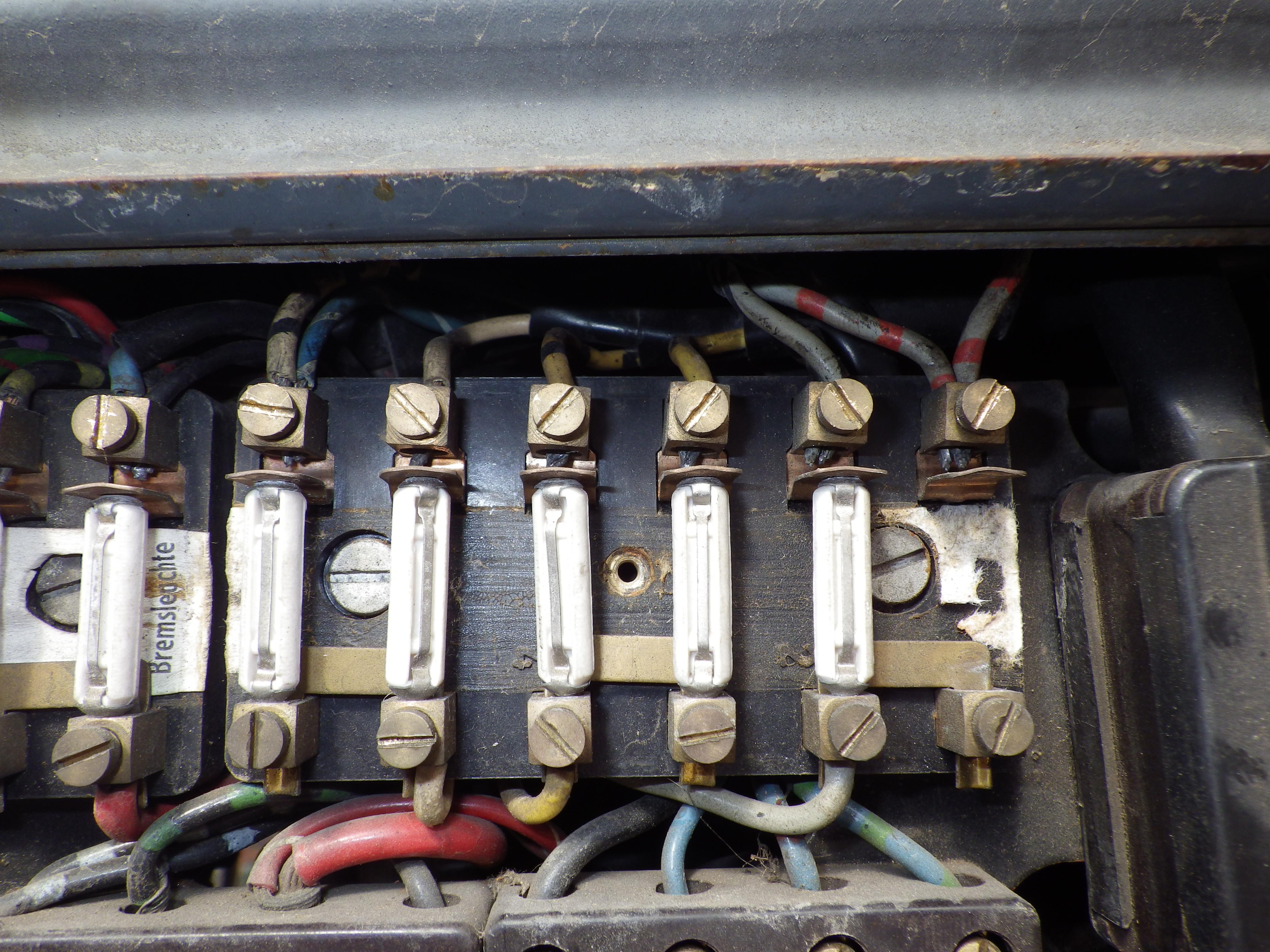 restauration du mog 406 de chenapan52 - Page 3 341645IMGP0235