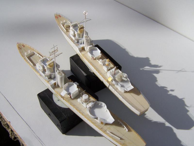 Destroyers classe Hunt type 2 et 3 - Page 2 343308Hutn2et3026