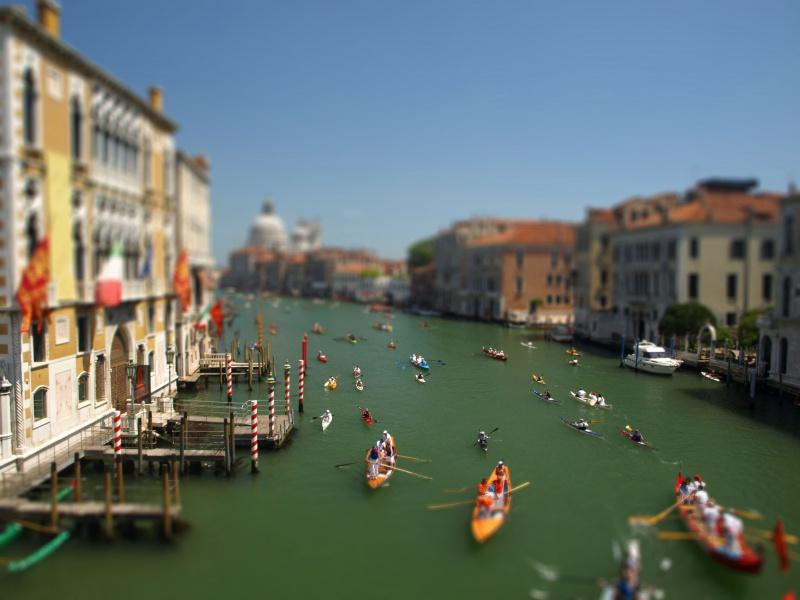 Effet Tilt Shift : Vogalonga de Venise 344362P6083003maquette