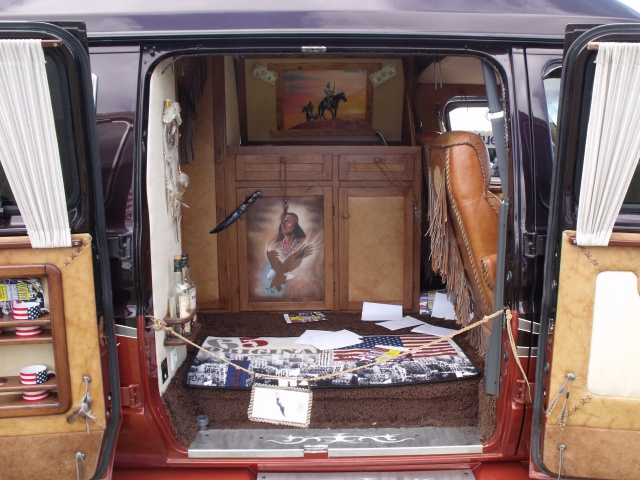 23e rassemblement de véhicules anciens et d'exception de Verna (38) - 2013 - Page 3 34496654