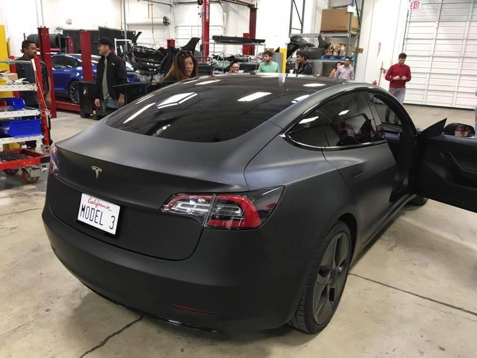 2016 - [Tesla] Model III - Page 6 34510008484618phototeslamodel3