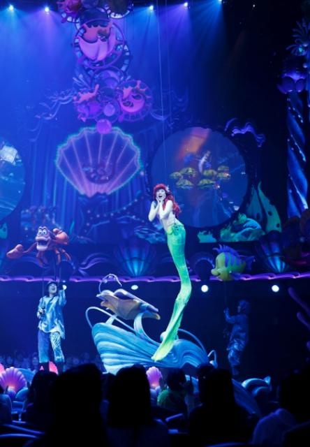 [Tokyo DisneySea] Nouveau spectacle : King Triton's Concert (24 avril 2015) - Page 2 347140lm2