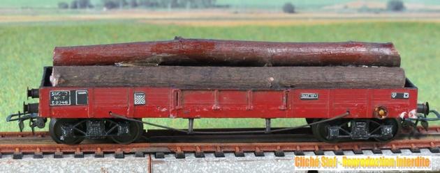 Wagons plats à bogies maquette et semi maquette chargés 347438VBTPUSmaquettebogieschargboisIMG3349