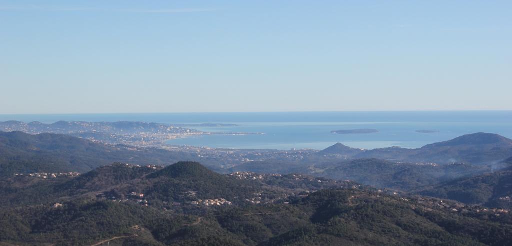 VOL en Robinson R44 autour de LFMD Cannes-Mandelieu 348456IMG7223