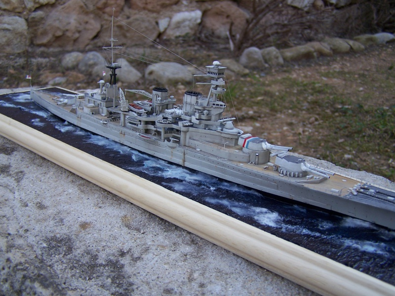 Hms Repulse conversion airfix 1/600 - Page 4 348726HmsRepulse057