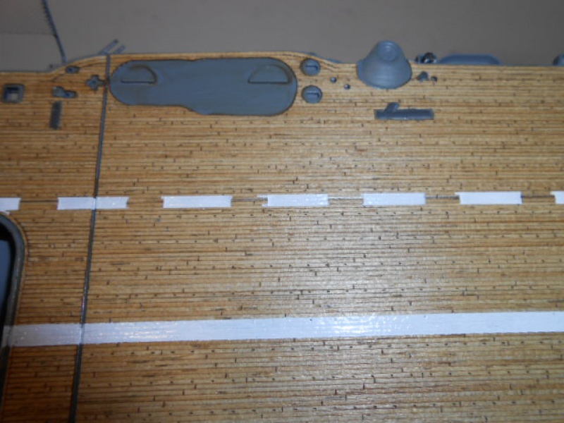 PA AKAGI 1/350 de chez Hasegawa PE + pont en bois par Lionel45 - Page 5 354170Peintureaka008