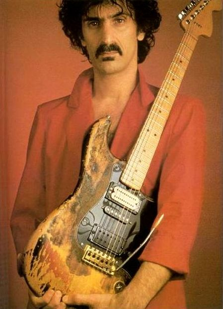 Ses guitares - Page 3 354540Zappa1976