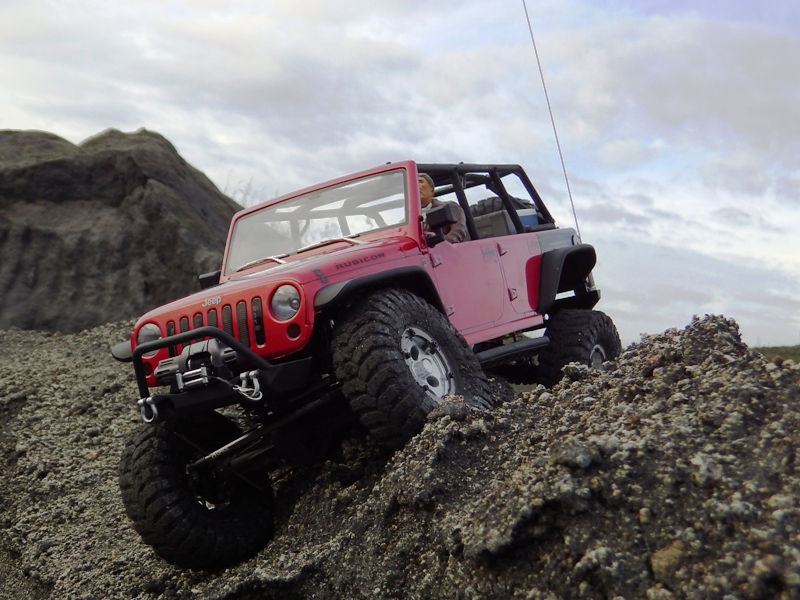 Jeep Rubicon Axial, le scale facile ;-) 354935IMGA0844