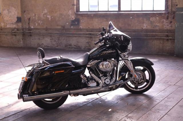 combien de STREET GLIDE  sur le forum Passion-Harley - Page 5 3617181921168102036632209656701891909579o