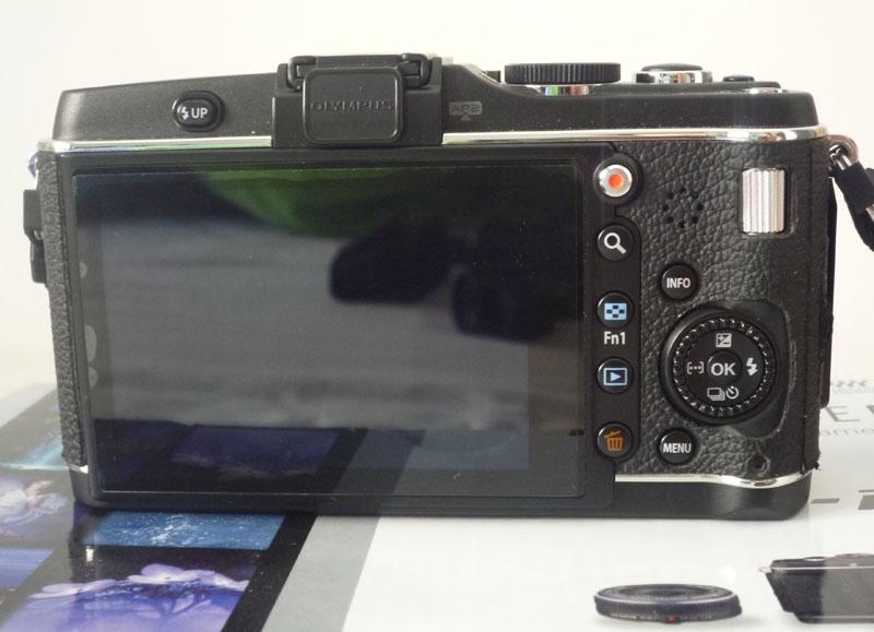 [VENDU]Olympus PEN EP-3 avec 3 batteries (baisse du prix) 362111P1050621