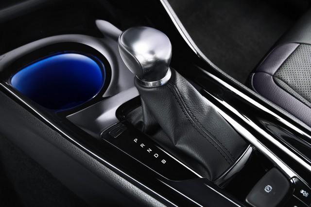 Toyota Révèle Les Tarifs Du C-HR 3621192016CHR14
