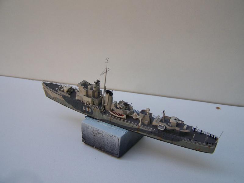 Destroyers classe Hunt type 2 et 3 - Page 3 362678Hutn2et3034
