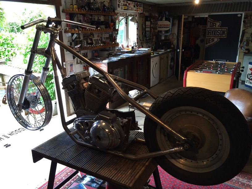PROJET RIGIDE SUR BASE SPORTSTER BOITE 4 - Page 6 366844IMG4939