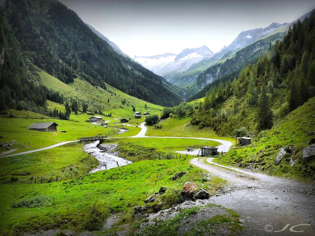 Les alpes  autrichiennes - Page 5 367541chaletsdalpages