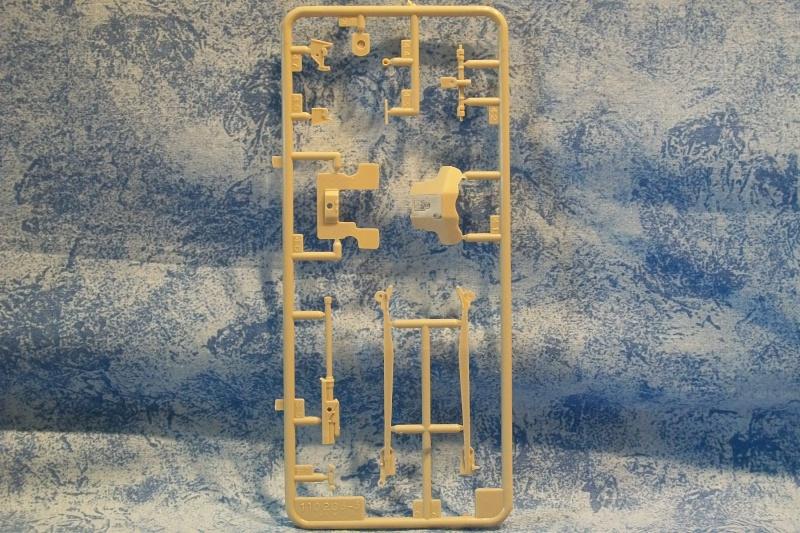 Diorama Saumur (Réf.81102) 1/35 367851Heller81102020DioramaSaumur135
