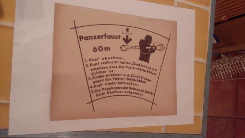 Paperasse panzerfaust,SA,sachet medaille 370365IMG20160121182507
