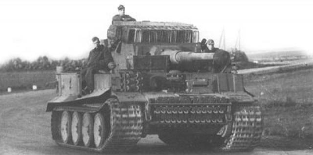 Tigre I en Tunisie (Tamiya 1/35e) 370457Tigre1sources