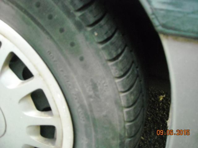 pneus usés sur les cotés 370589DSCN7924