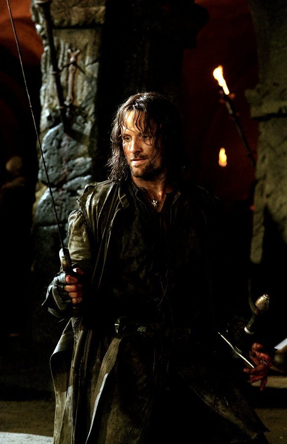 Le Seigneur des Anneaux / The Hobbit #3 373399KingAragornaragorn7652247583900