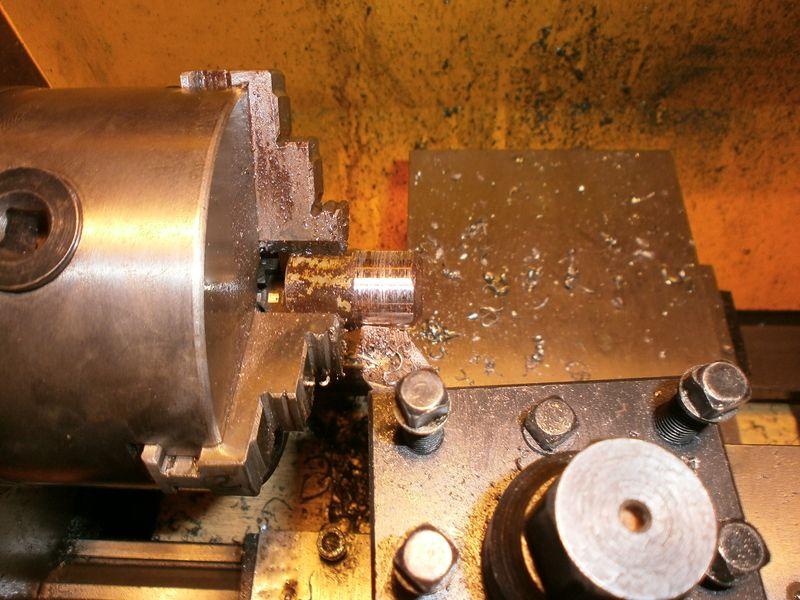 """Fabrication d'un """"bouchon"""" pour mon bac à copeaux pour récupérer le fuide de coupe 375262PB100043"""