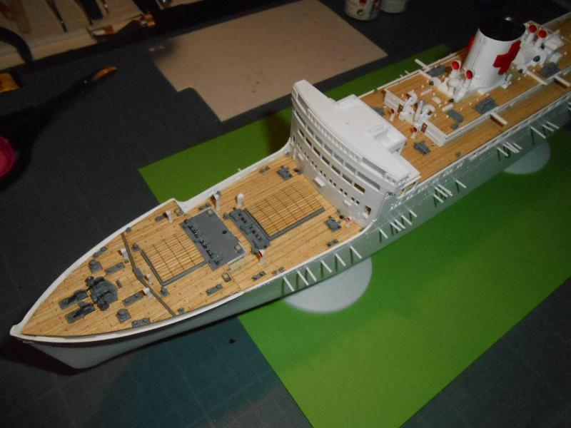 Hikawa Maru hopital 1/350 PE/pont en bois et babioles  - Page 3 376068DSCN5678