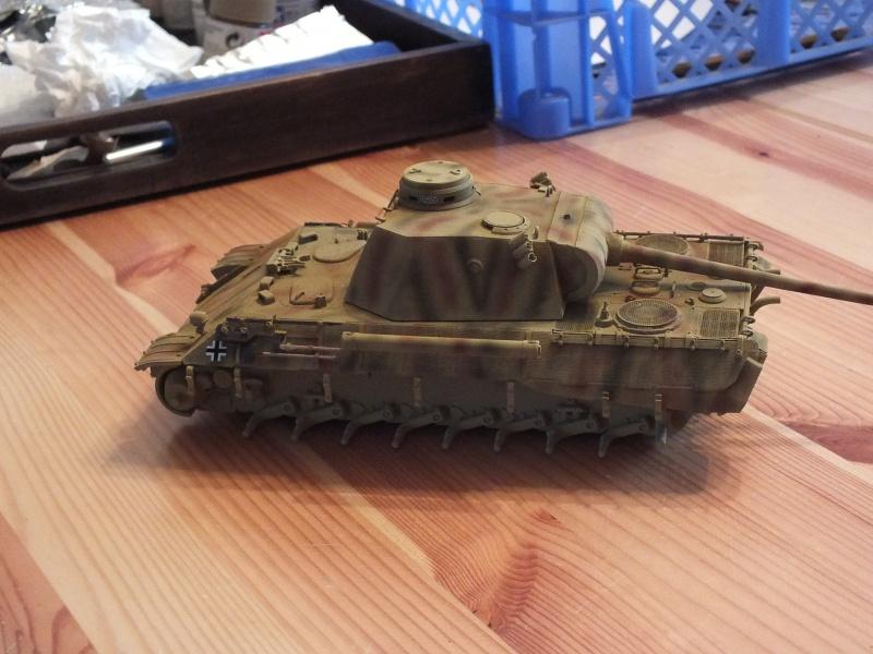 Panther Ausf D Dragon 1/35 avec Zimmerit réf. 6428 (FIN  DE PATINE , finitions lors de la  mise en place sur Dio) - Page 3 378738DSCF6403