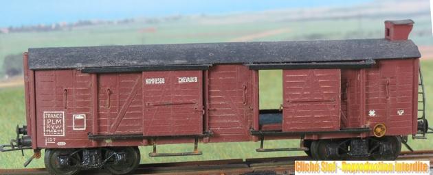 Wagons couverts à bogies maquette  379690VBcouvertTPbogiesguriteliedevinIMG3455