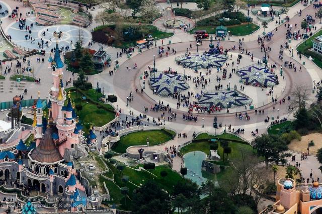 Disneyland vue d'en haut ... - Page 3 379713184494696253765643190467590569787243024004o