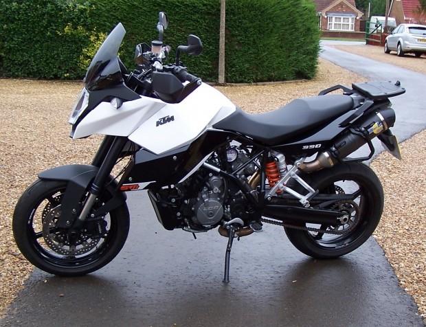 Enfin du temps pour la moto, mais pas que... 381568SMT990
