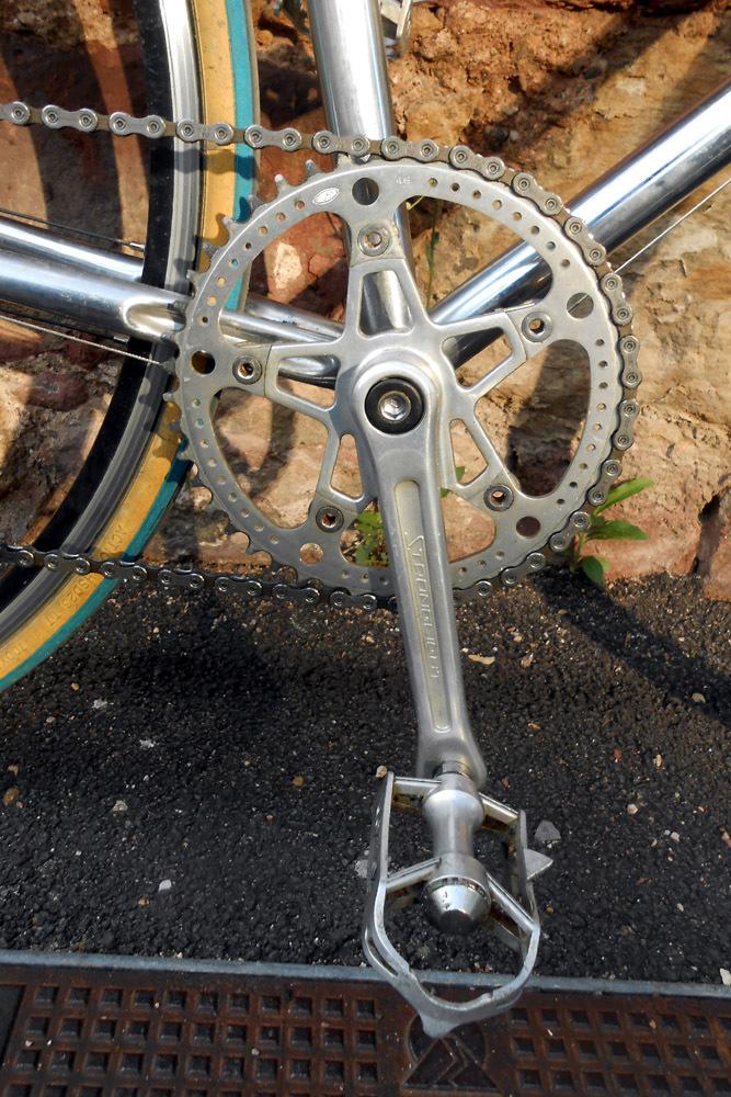 Un machin chromé... topbike? 383678DSCN97361