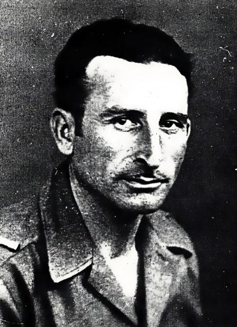 Grand-père espagnol dans le Bataillon - Page 3 388878Ortizalger1943