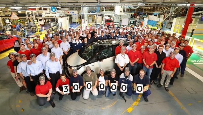 Le site de production de Toyota à Valenciennes vient de franchir le cap des 3 000 000 de Yaris 389960YARIS3000000Final2