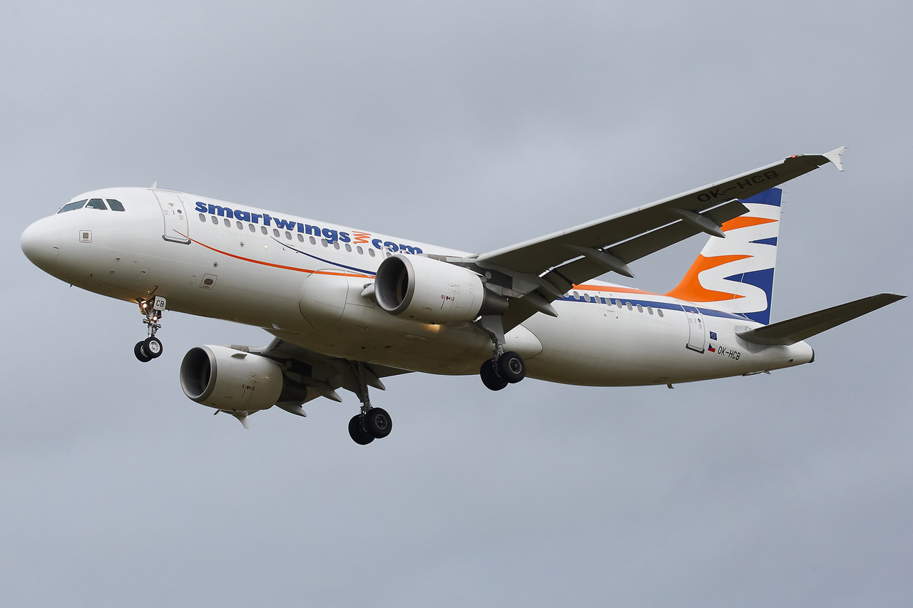 [20/05/2013] A320 (OK-HCB) Smart Wings 392625GRX9218