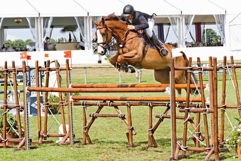 Le CSIO de Chantilly pour les amateurs de chevaux) 395639Chantillyjumping2012097DxO800x600