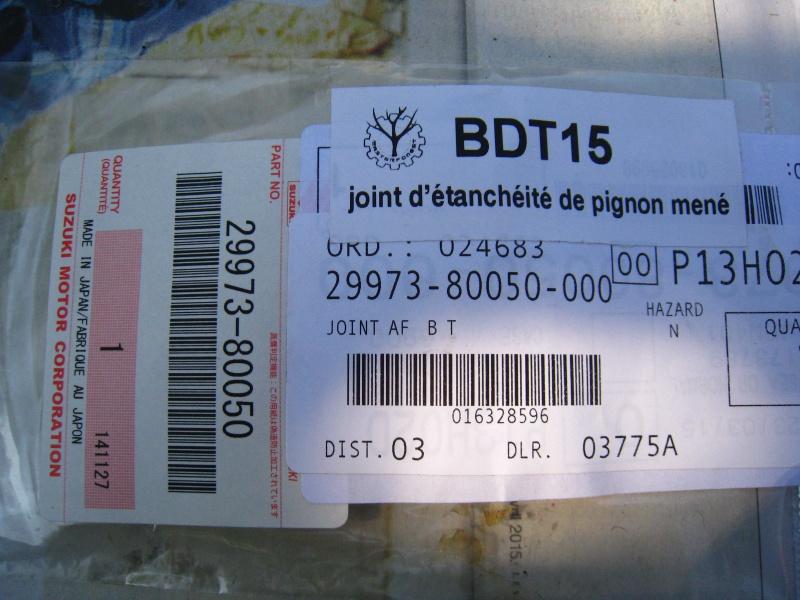 fuite huile par entrée cable vitesse boite transfert 413 (speedometer) 396487IMG5246