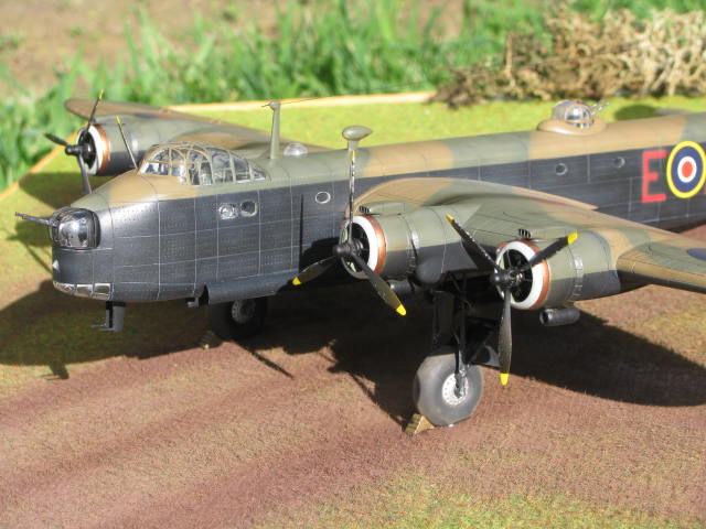 Short Stirling MkIII BF-513 Italeri 1/72, 2ème !!!!!....Terminé!!! - Page 4 398204IMG7156