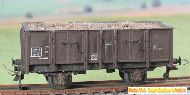 Wagons tombereau 2 essieux maquette chargés 399208VBtombereau2esspresspahfaonmtalchargballastIMG3431
