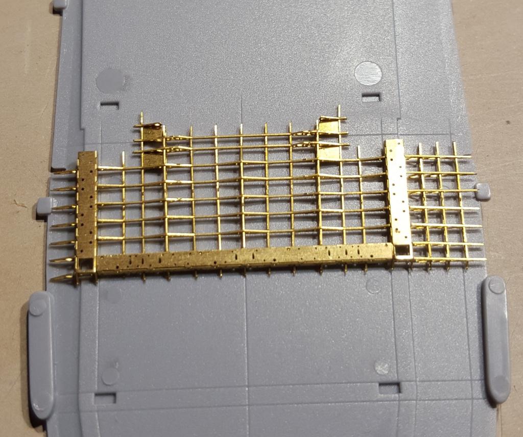 AKAGI 1/700 Hasegawa Kit PE et Pont en bois - Page 2 39982620160406111754