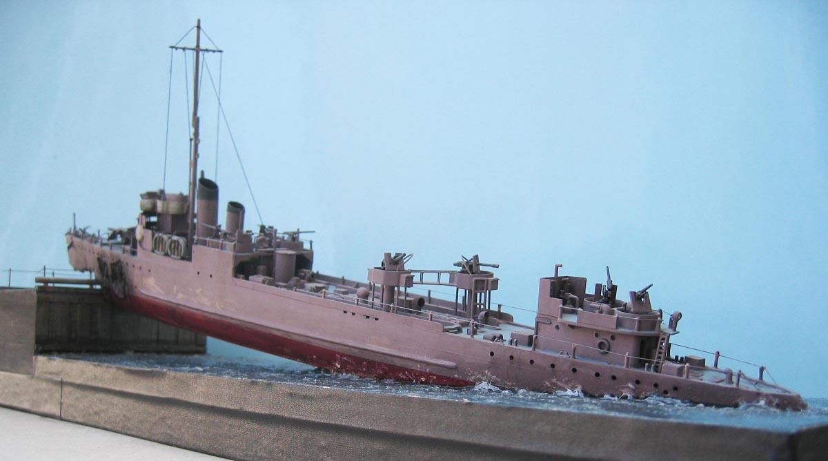 [Revell] Destroyer HMS Campbeltown - 1/240. 399883Campbel55